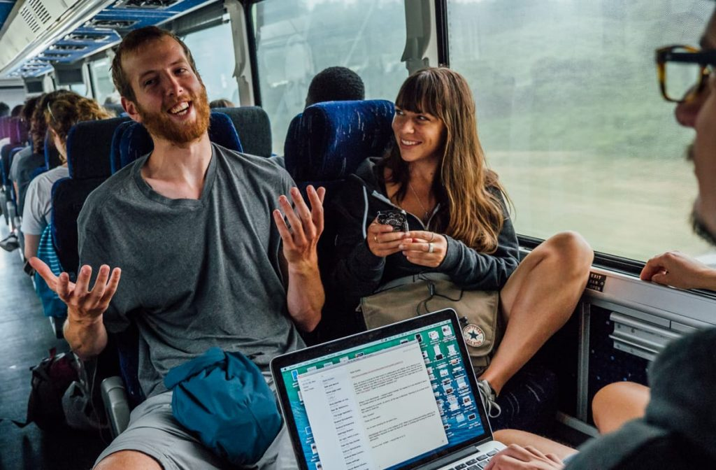 Zaui Software - Busbud - Online Travel Agency - Bus Passengers